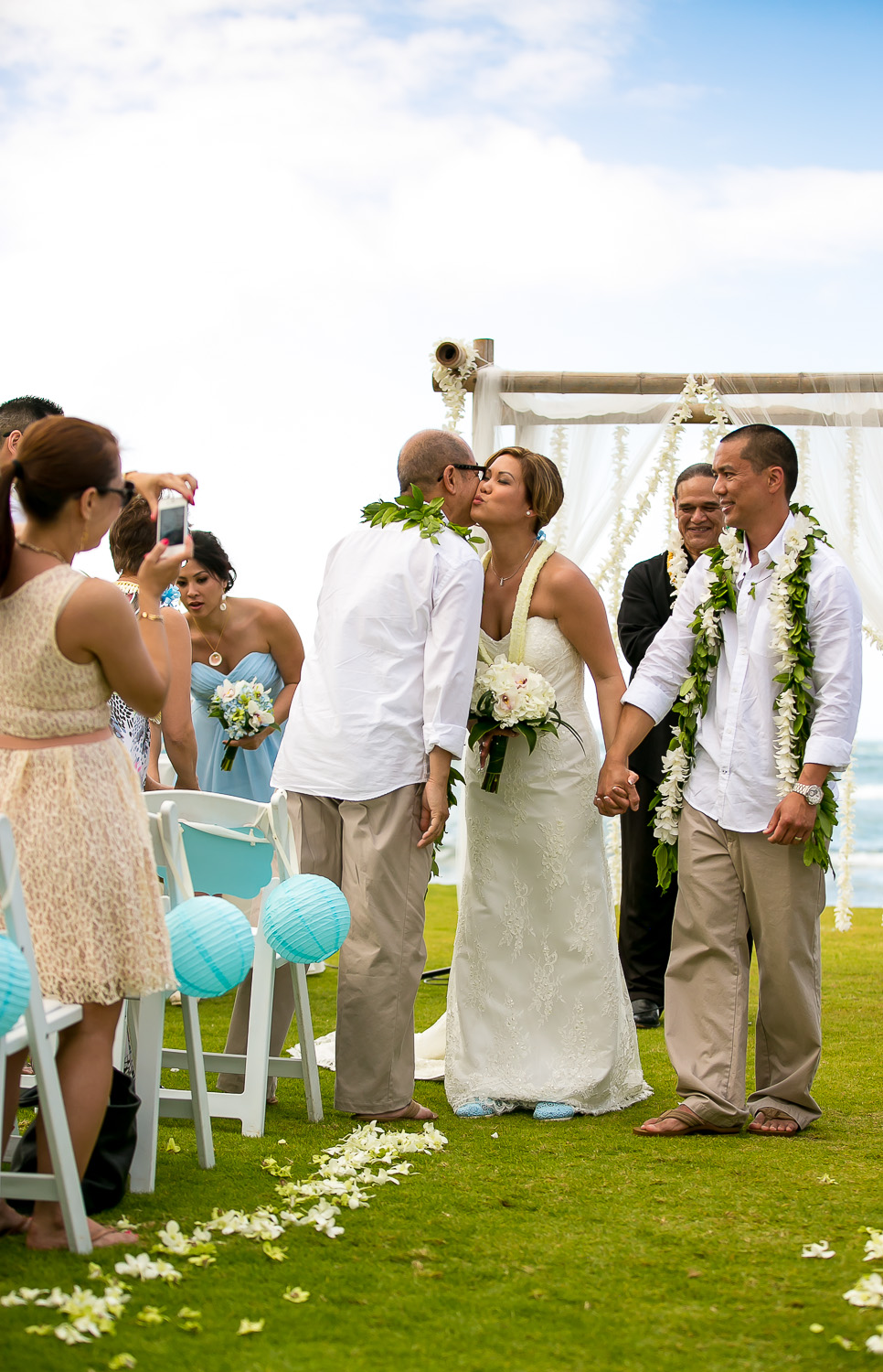oahu wedding photography, chris holt photography, wedding, love, beach, north shore, hawaii, loulu palm estate, private estate