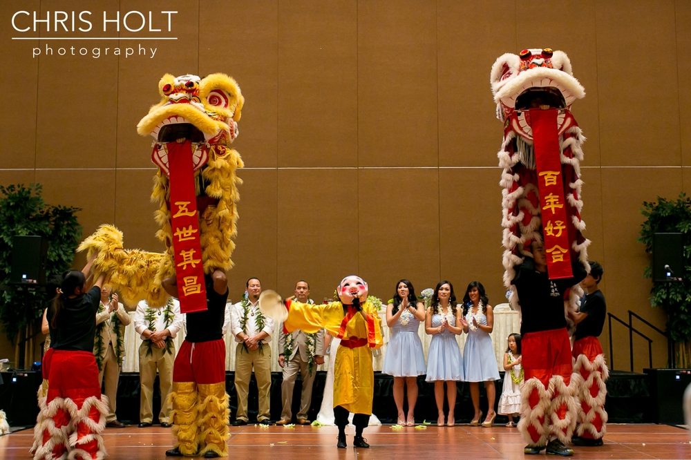 hilton los angeles, universal hilton, chinese wedding, tea ceremony, reception, lion dance, chris holt photography, wedding, southern california, los angeles wedding photography
