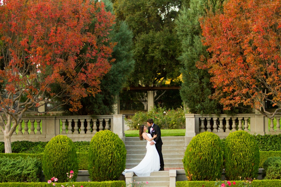 ambassador mansion, pasadena, historic, gardens, wedding, venue, couple, romantic, portrait, courtyard, bride, groom, sunset, wedding dress, suit, old town pasadena
