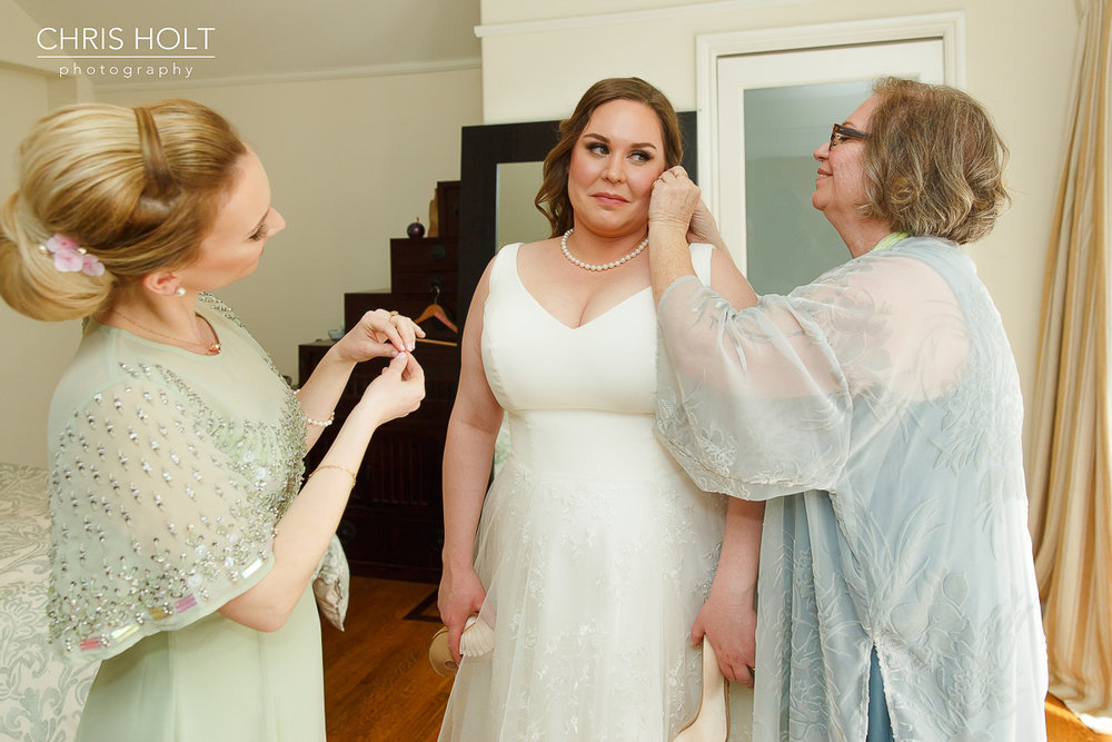 Pasadena Wedding Bridal Details with Mom and Sister
