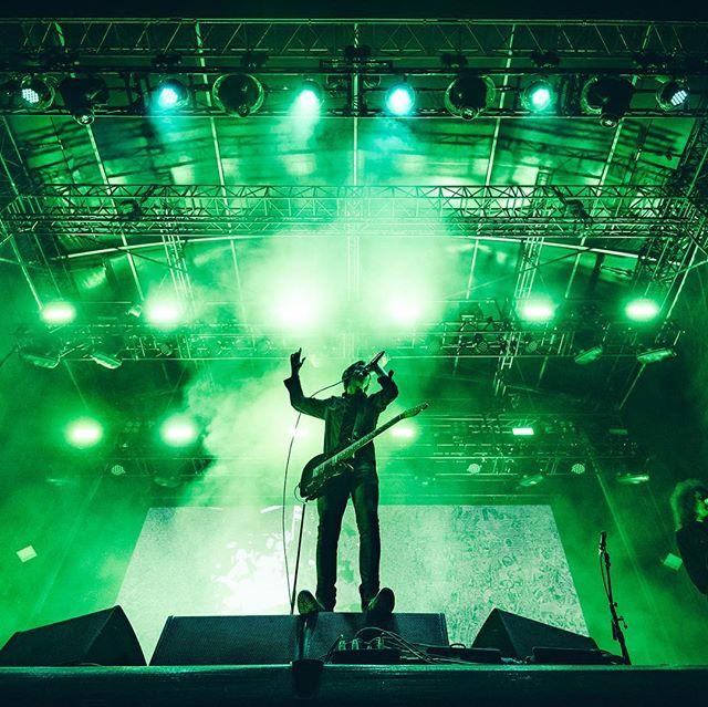 @catfishandthebottlemen rocking the main stage @fallsfestival last night 🤘🏻