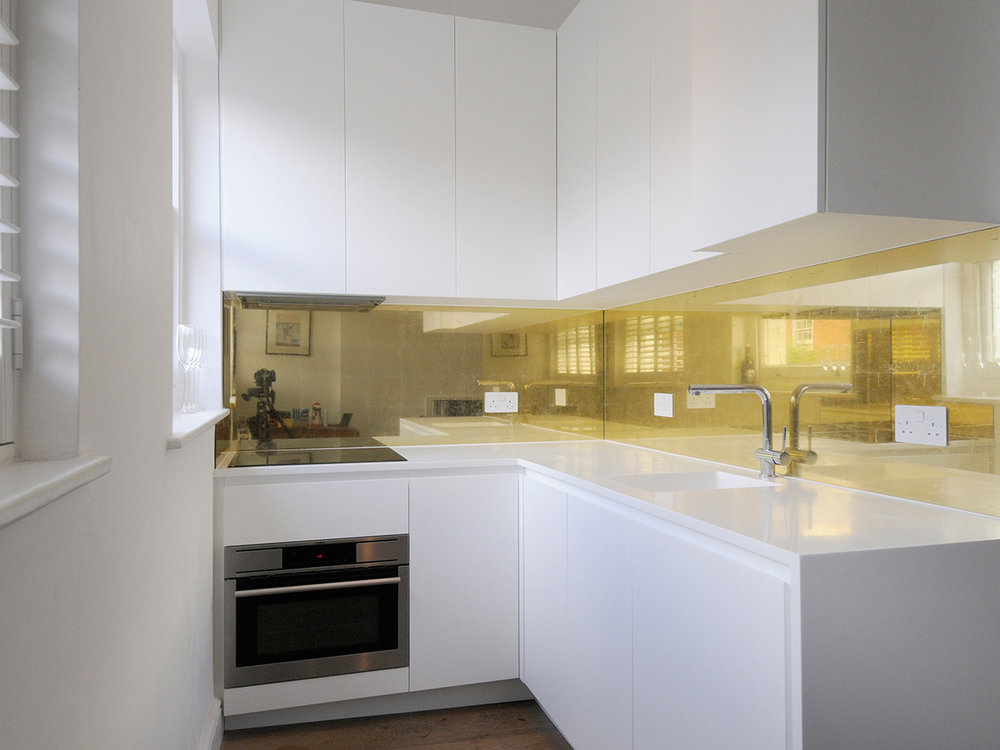 Minimal gold  Private residence, Bloomsbury, London Tom Bussmann