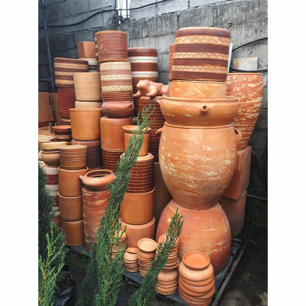 Countless streets of garden shops in Nayón, filled with stacks and stacks of pottery, including every shape and size that one could ever imagine.  If we just had ONE of these shops here in Tucson...