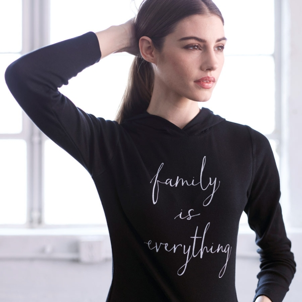 Main-Women_Hoodie(black)_FamilyIsEverything_1-600x600.jpg