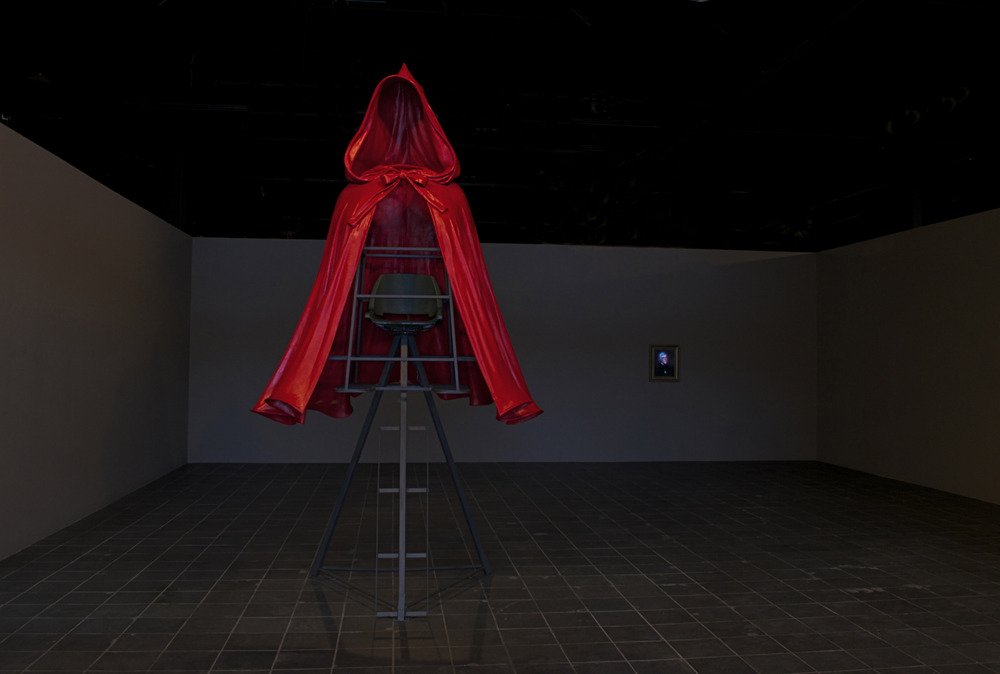 """""""Red Ridinghood Stand"""" and """"Thomas Jefferson Reconstructed"""""""
