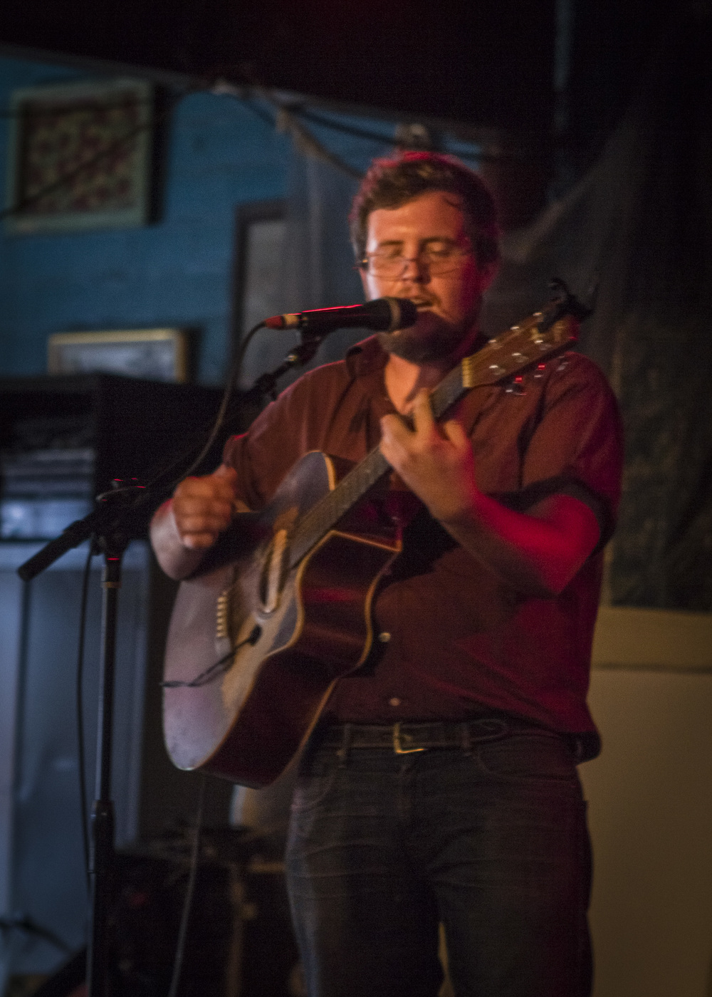 We checked out the generically-named,  Keep It Local  fundraiser, at Dan's Silverleaf on Sunday afternoon.