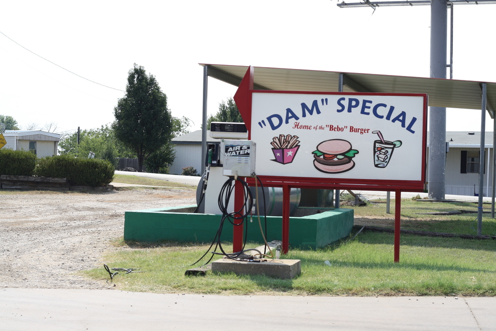 We savored one of the remaining summer weekends by spending time at the lake - and we had to make a short stop at 'The Dam Store' for our favorite treat.