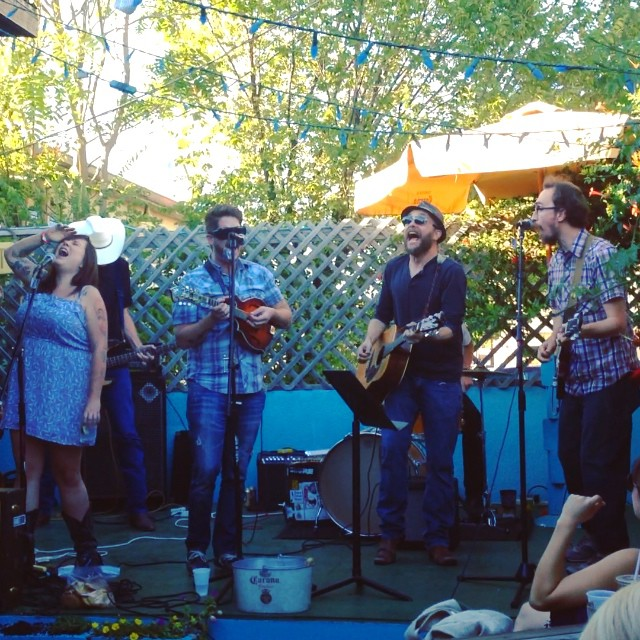 We had quite a few readers check out Hares on the Mountain at Dan's on Sunday - a requisite Dentonite activity. We particularly liked this shot from reader Camille Green ( @camverde ).