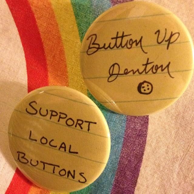 Buttons and buttons andbuttons and buttons! Photo by @dearedeker.