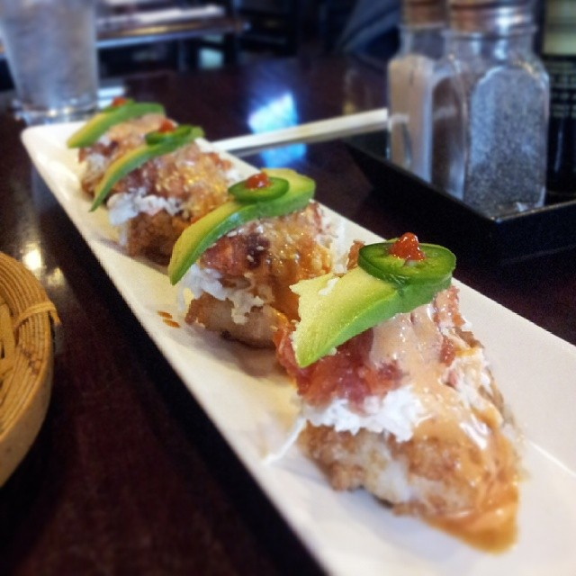 J Sushi or Haru? As far as 2nd tier (you know, after Keiichi) sushi goes, we're not sure who takes the cake  . Photo by  @DentonKate .