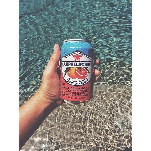 @t aylorbunch_  made sure to stay well refreshed while hanging in the sun and enjoying the first glimpse of summer.