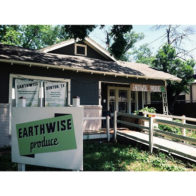 @katie_grant  snapped a pick of one of our favorite local produce purveyors, Earthwise Gardens.