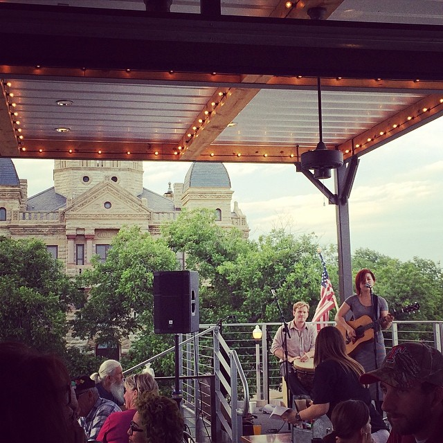 A little live music and LSA's awesome view of the courthouse were a part of  @cd7383 's weekend fun.