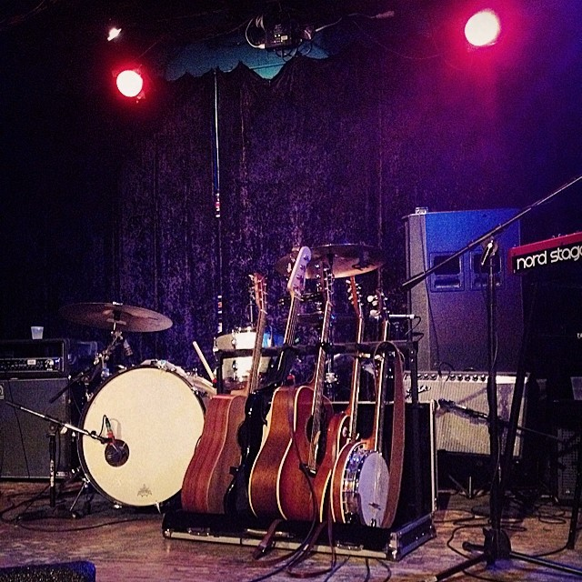 Who doesn't love to see a banjo in the mix? Photo by @thepaigels.