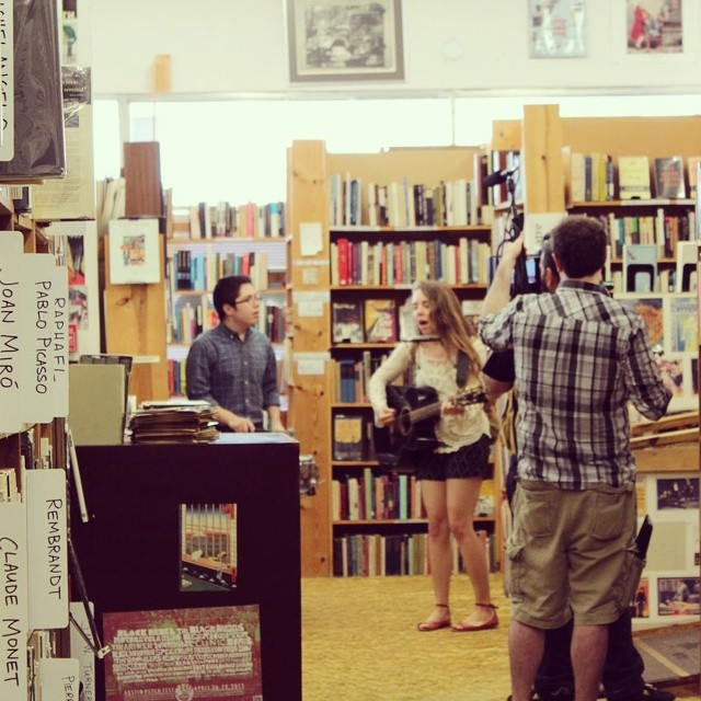 Track Tuesday,  was the first video shot by new series Denton Staged, a series of shorts featuring local musicians. If you just moved here or can't recognize book shelves, that's Recycled Books in this shot.