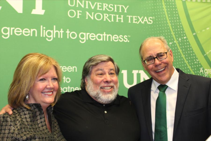 Deborah Hoddick, Steve Wozniak and UNT President Neil Smatresk
