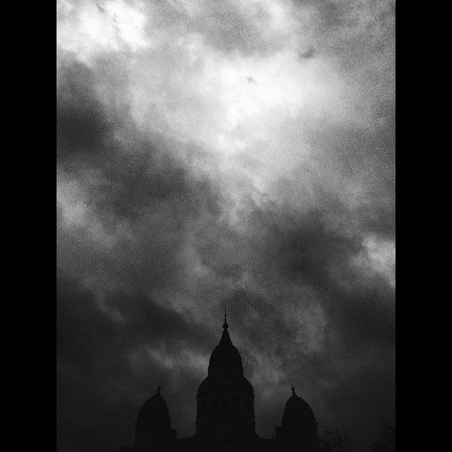This equally awesome and spooky square photo is a few months short of Halloween.
