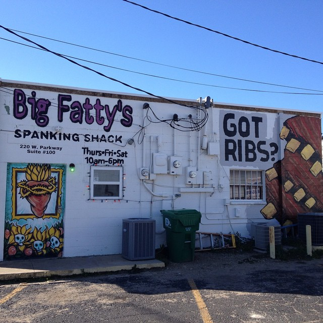 Big Fatty's may have the best mural in Denton now. Its at least in the top five. Thoughts?