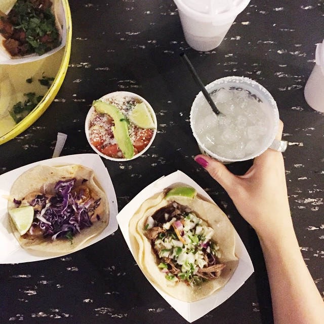 Let's end a post full of snow and ice with some delicious tacos and margs from @everydaymodish.