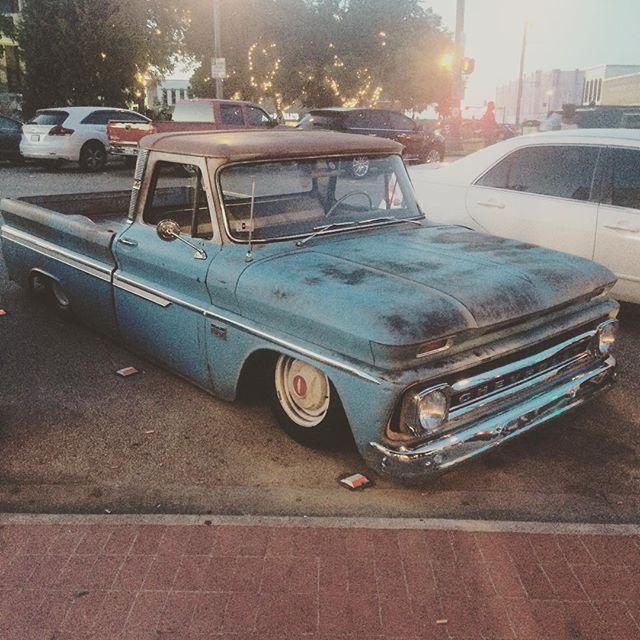 """@wandervandenton """"wandered"""" upon this old C10 on the square."""