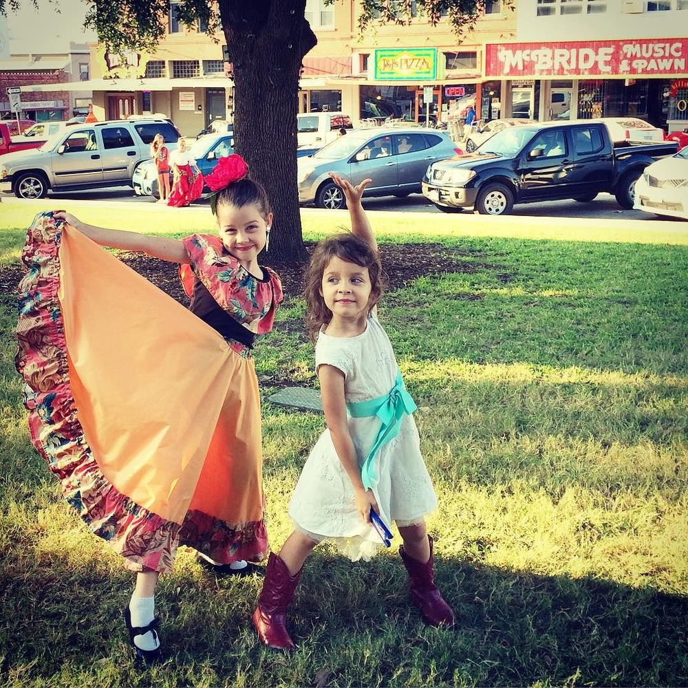 @ewgolds with some ballet folklorico fun on the square.