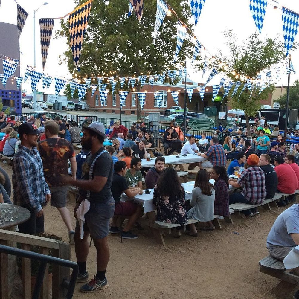 Oaktoberfest at Eastside from @WandervanDenton.