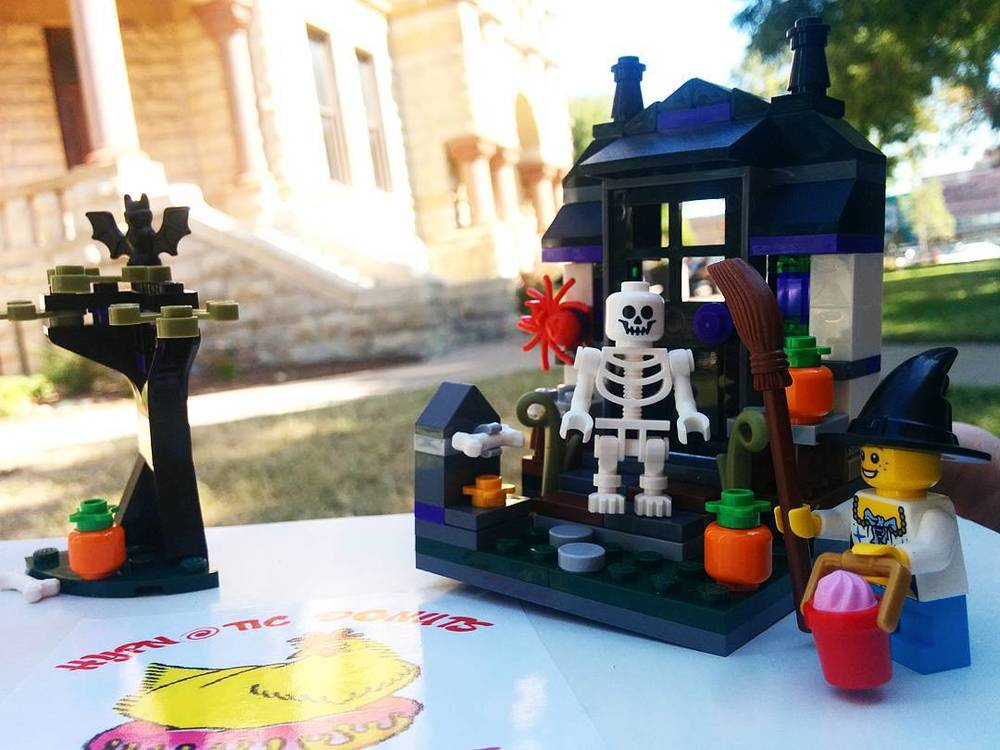 Scary Legos, maple lattes and some donuts on the courthouse lawn are maybe even better than large, vintage weddings. Photo by @victhebear.