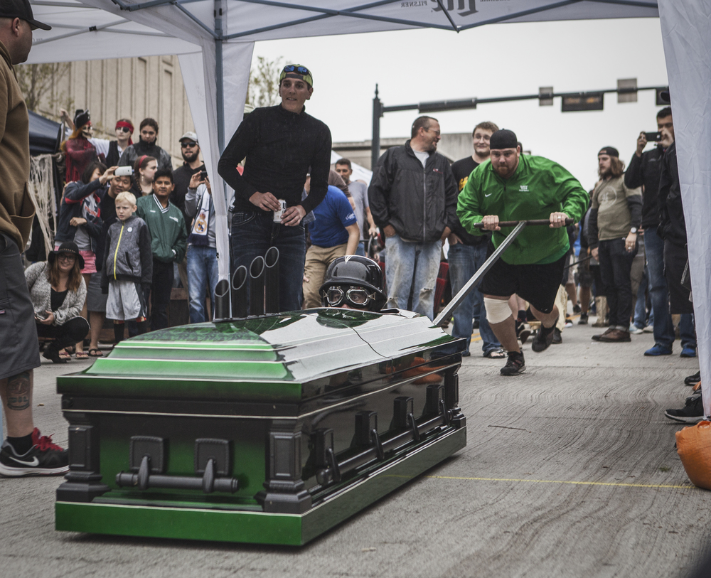 Access Bank had a beautiful green coffin and were one of the many coffins disqualified due to stepping over the line.
