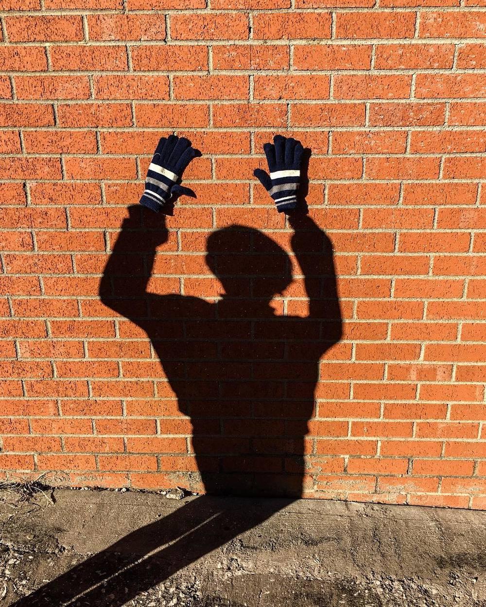 Shadow gloves with @betweenthepixels.