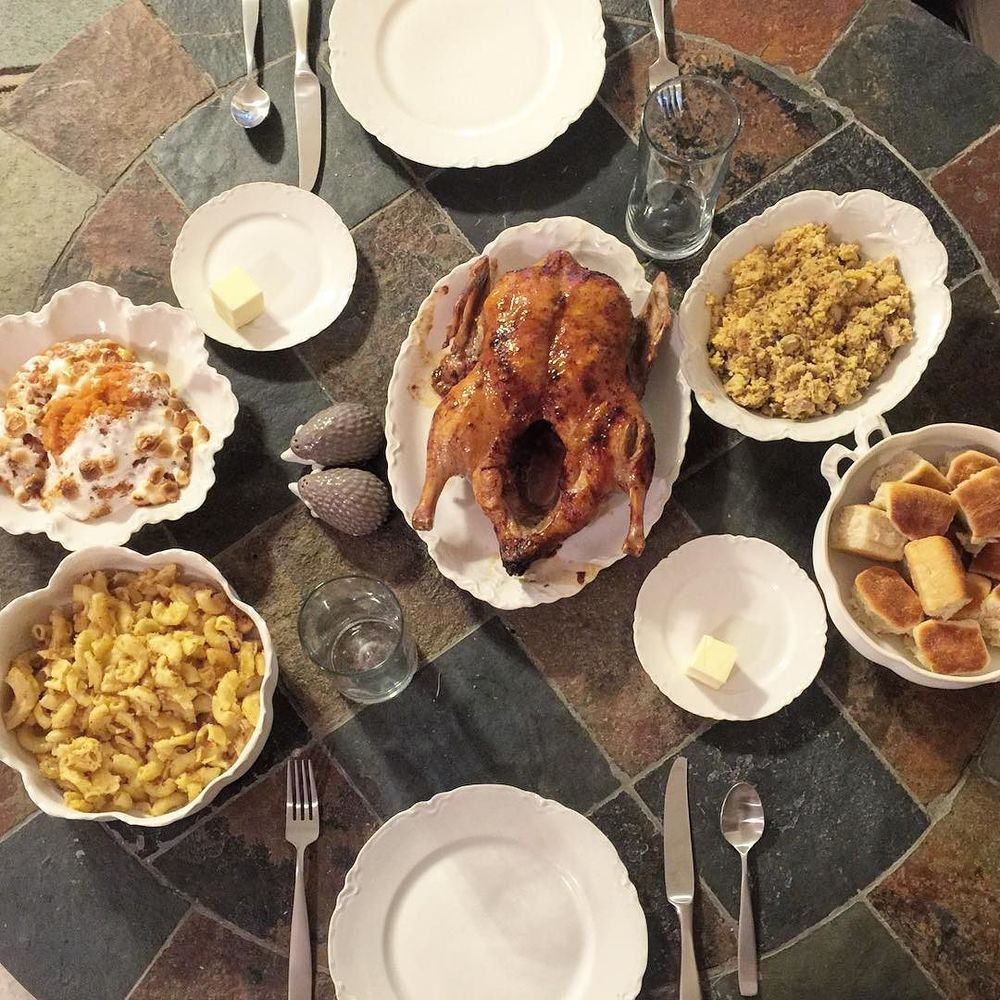 @ amandaraeoo  didn't invite us over to Thanksgiving dinner and now we're sad. This looks delicious.