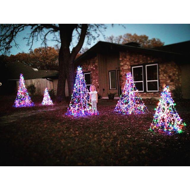 @kkbigley got the decorations up.