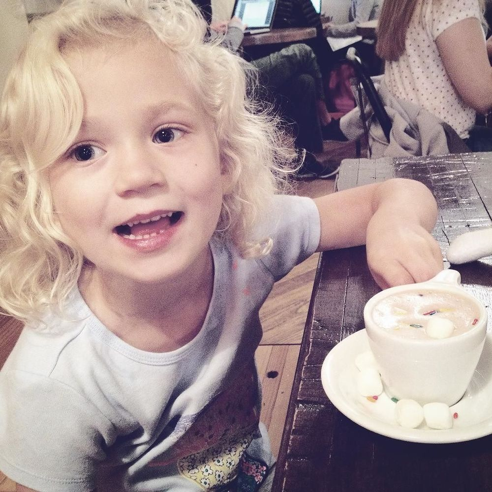 Kid-friendly hot chocolate at West Oak Coffee Bar. Photo by @kkbigley.