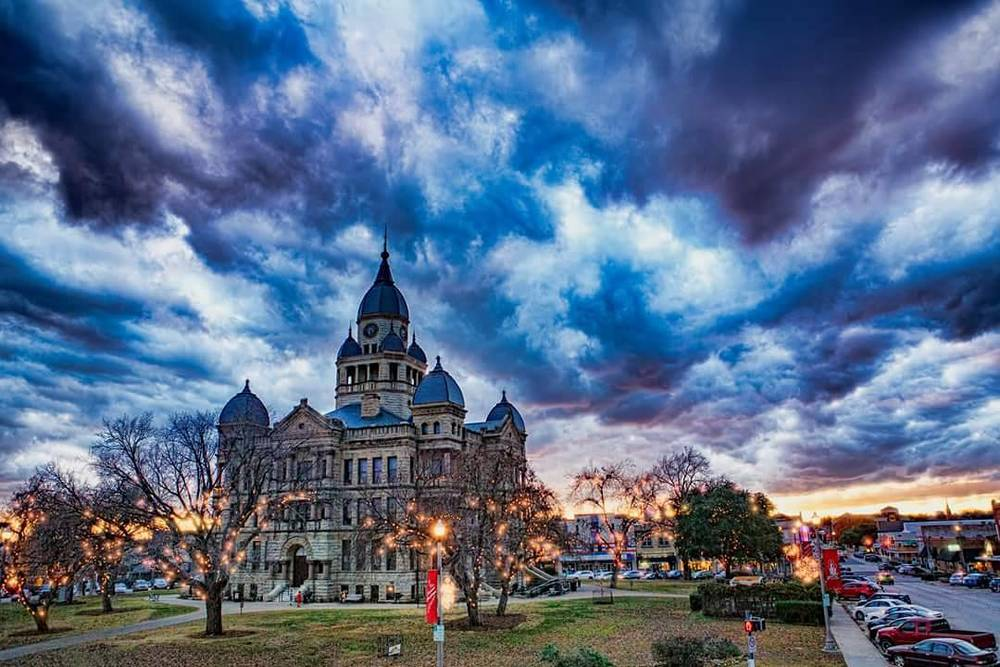 Denton sunset photo by @phototerminus.