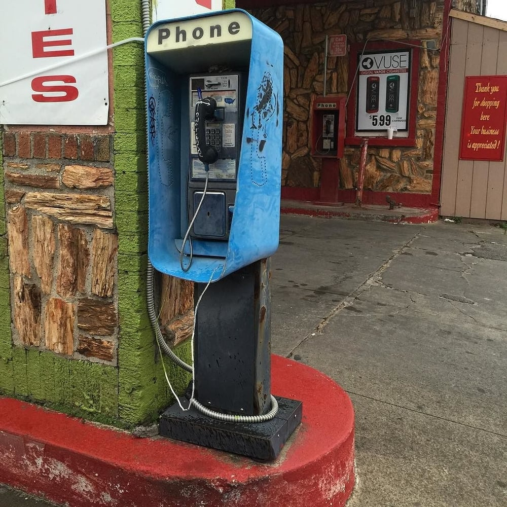 @hollyintexas documented one of the few Denton pay phones left.