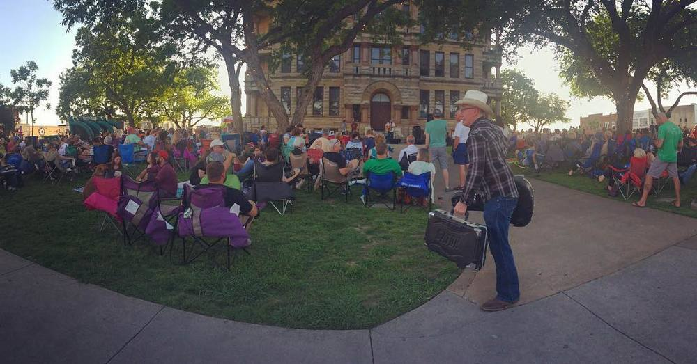 Twilight Tunes is back on the Denton Courthouse Lawn. Here's a photo of last week's rendition from @punk.cakes.