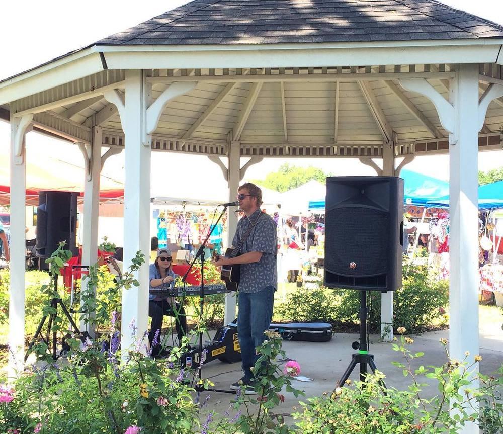 @dentonradiodotcom with some live music at the Denton Community Market.