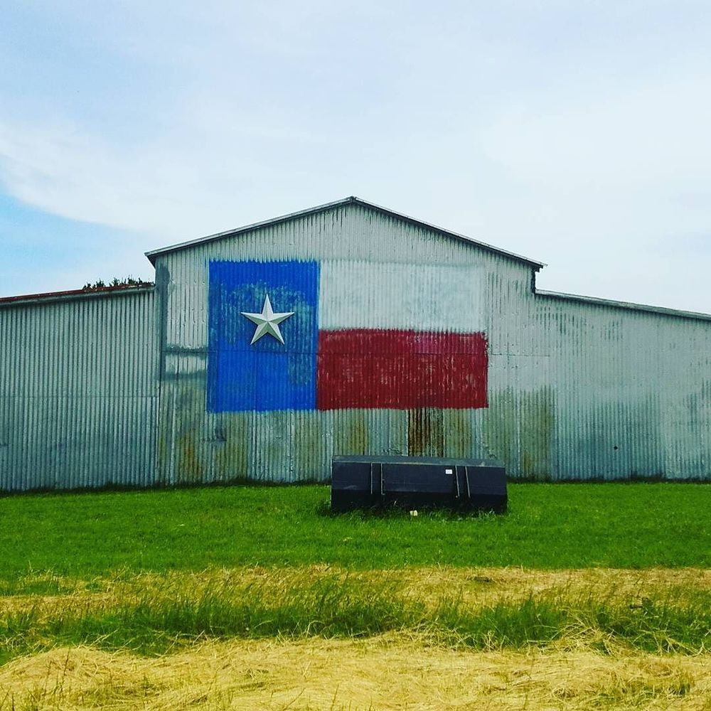 @txbhrtfld and a proud barnside.