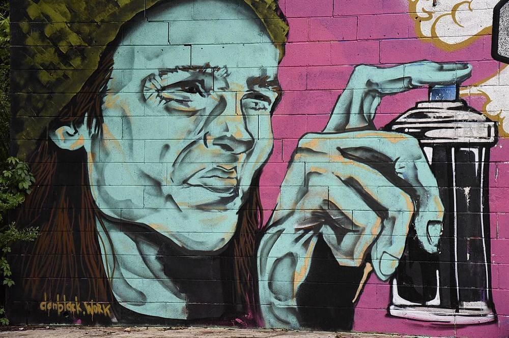 @elfotog with one of Dan Black's murals.