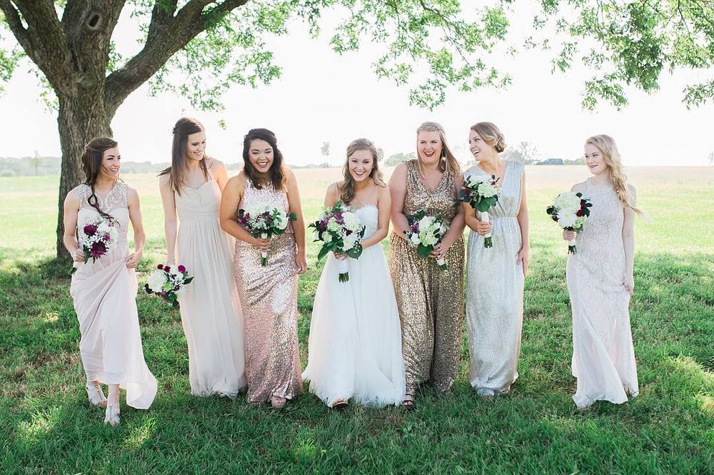 @salomonsaysphoto with a bunch of bridesmaids.