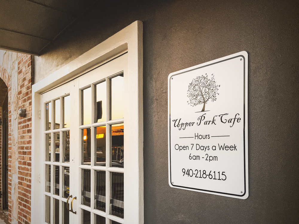 Upper Park Cafe is now open for breakfast and lunch in the old Muddy Jake's spot on Hickory St. Have you tried it yet? @WeDentonDoIt.
