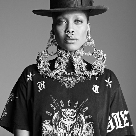 Just another photo of Erykah Badu because she kicks all sorts of ass.
