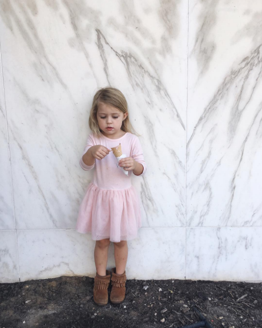 @cassiearnoldart with some marble walls and ice cream.