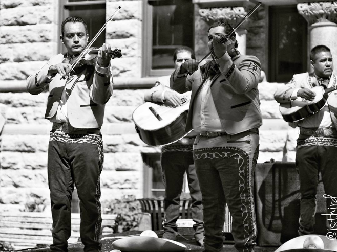 Mariachis on the Denton square. Photo by @isthird.