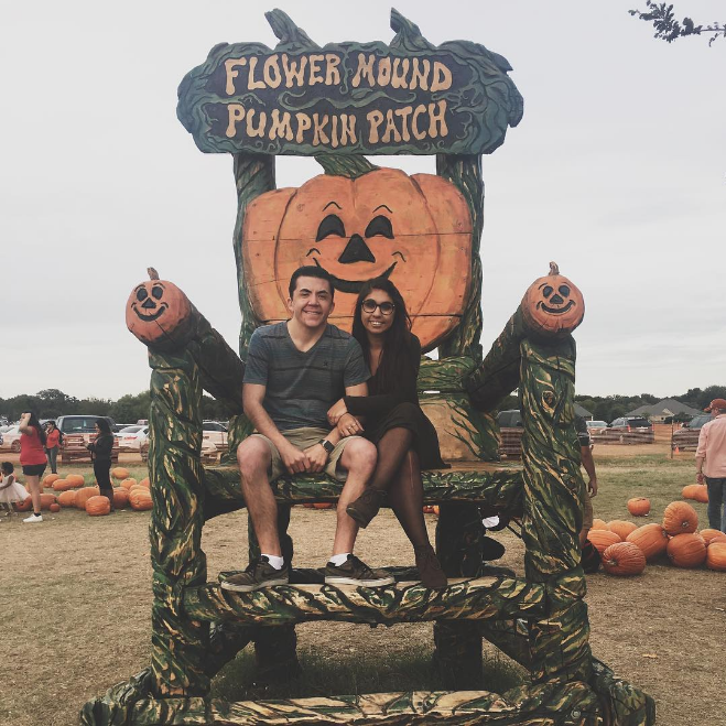 @sapphireskys_ at the Flower Mound pumpkin patch's huge chair.