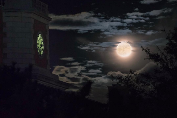 @bradholt with an amazing shot of the super moon over UNT last week.