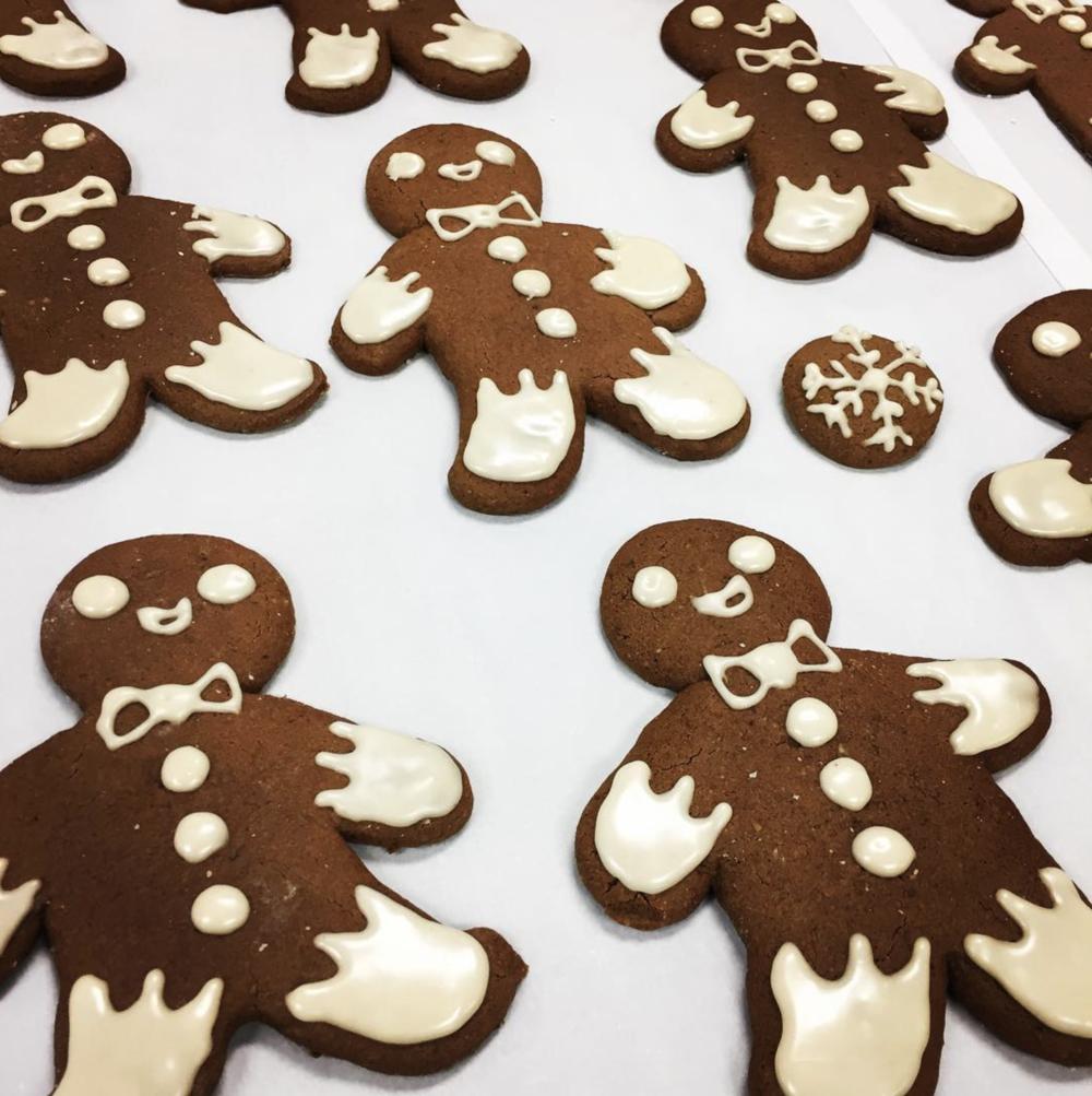 Gluten free, vegan gingerbread cookies at @juicelabdentontx.