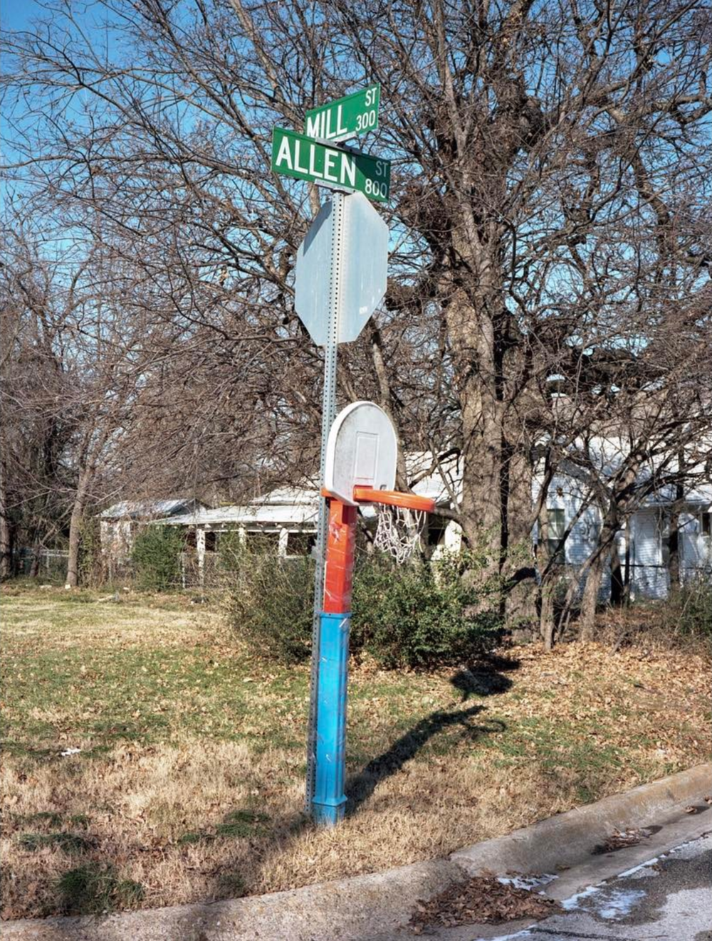 When you ball so hard that your hoop doesn't stand up on its own anymore, you figure something out. Photo by @aaronlancelopez