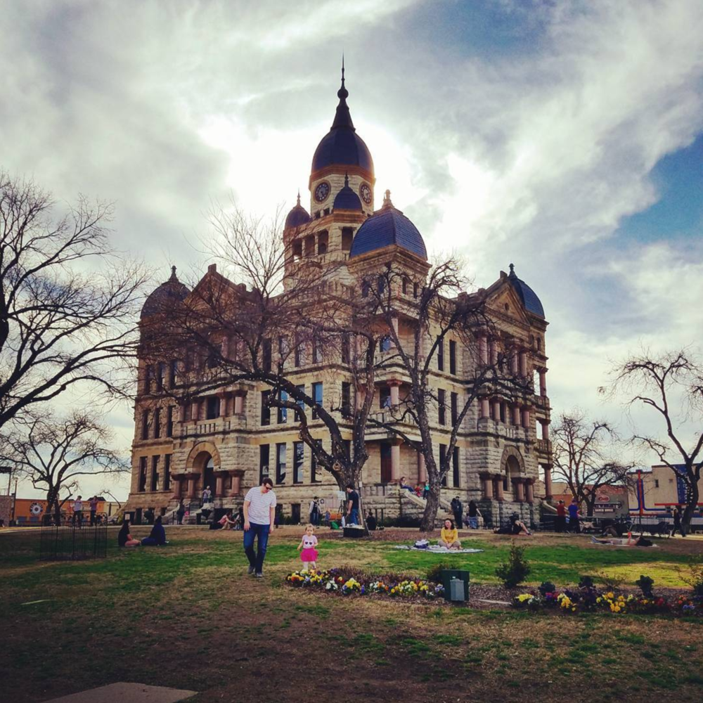 @debgarrett11 with a painting-like photo of the courthouse.