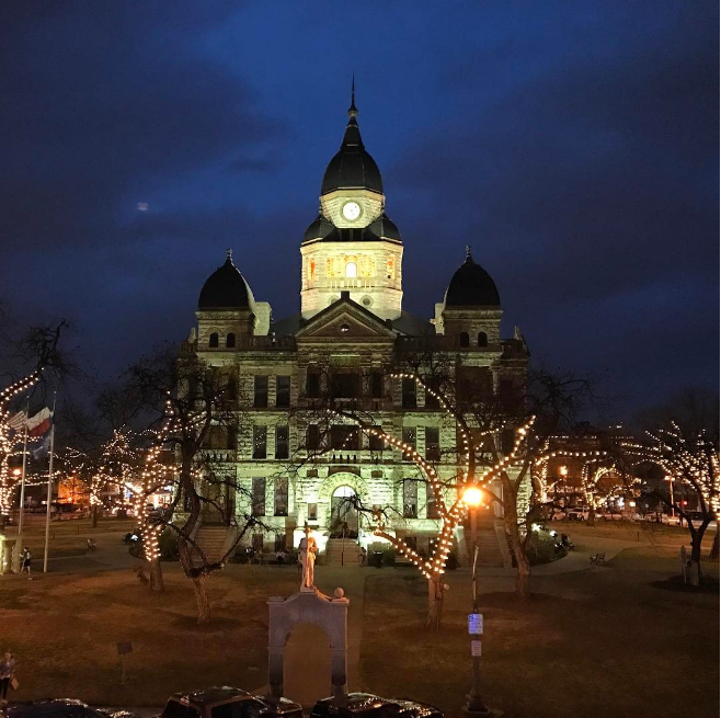 @capttelford with a shot of the Courthouse at night.