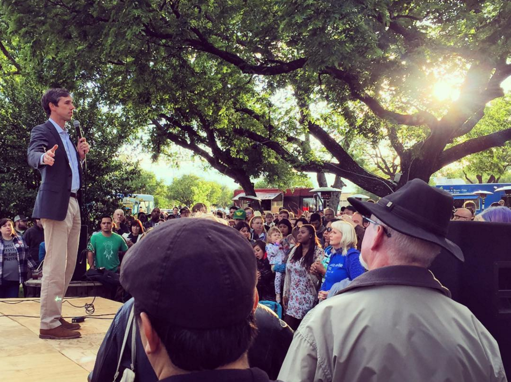 Senate candidate (and Ted Cruz opponent) Beto O'Rourke was in town on Saturday. Check out our piece on his visit here and this lovely photo from @aereis22.
